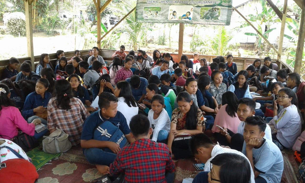 Remaja Merawat Lingkungan